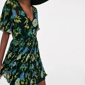 NWT Zara Black Floral Pleated Mini Dress Small